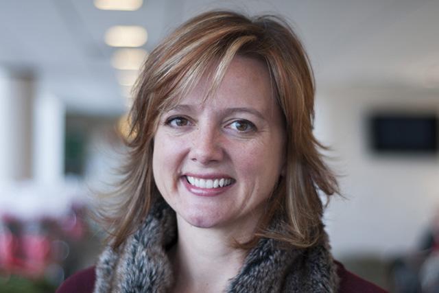 Headshot of Gina Perez