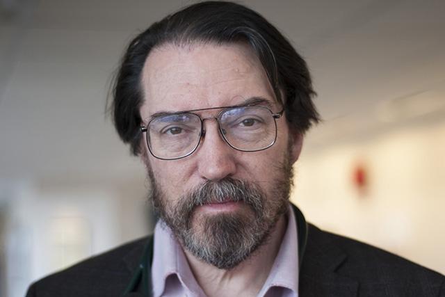 Headshot of Robert Roth