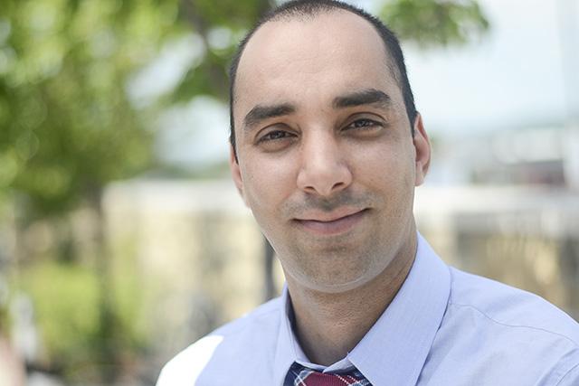 Headshot of Khurram Farooq