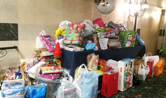 HolidayPartyToyDrive121316