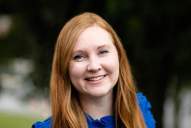 Headshot of Rachelle Grad