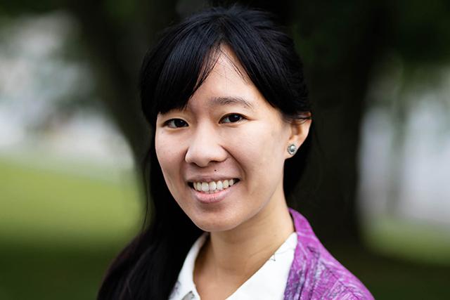Headshot of Carolyn Kwa