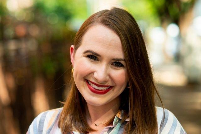 Headshot of Lauren Roddy